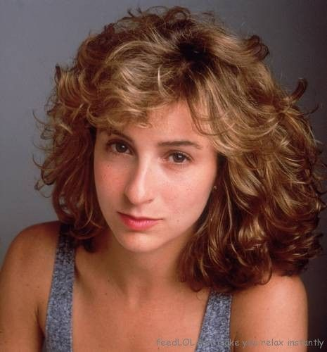 Jennifer Grey, she get a nose job after